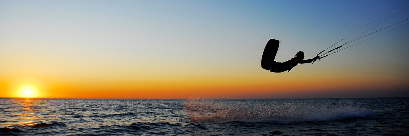 Locals-Salento-kitesurf-fondo-kitesurf-slide
